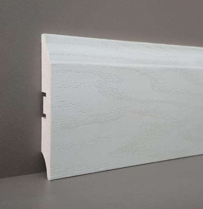 Плинтус 80V ясень софт белый