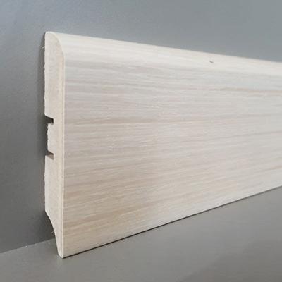 Плинтус 80R шпон выбеленный дуб